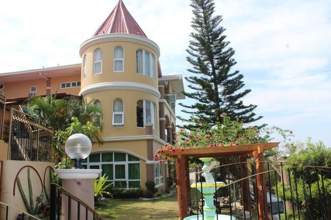 Mansion House over looking the beach - Quinavite, Bauang, La Union